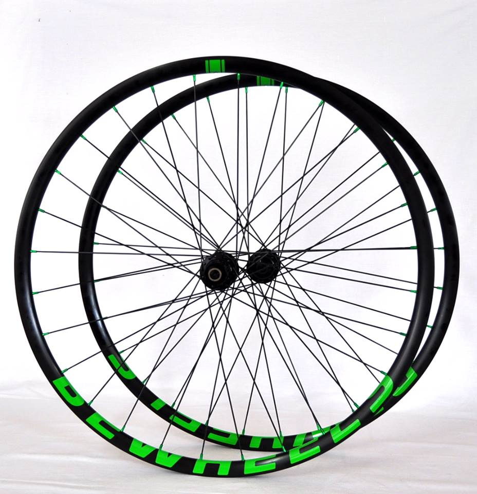BeWheels MC32E – Hope Pro 4